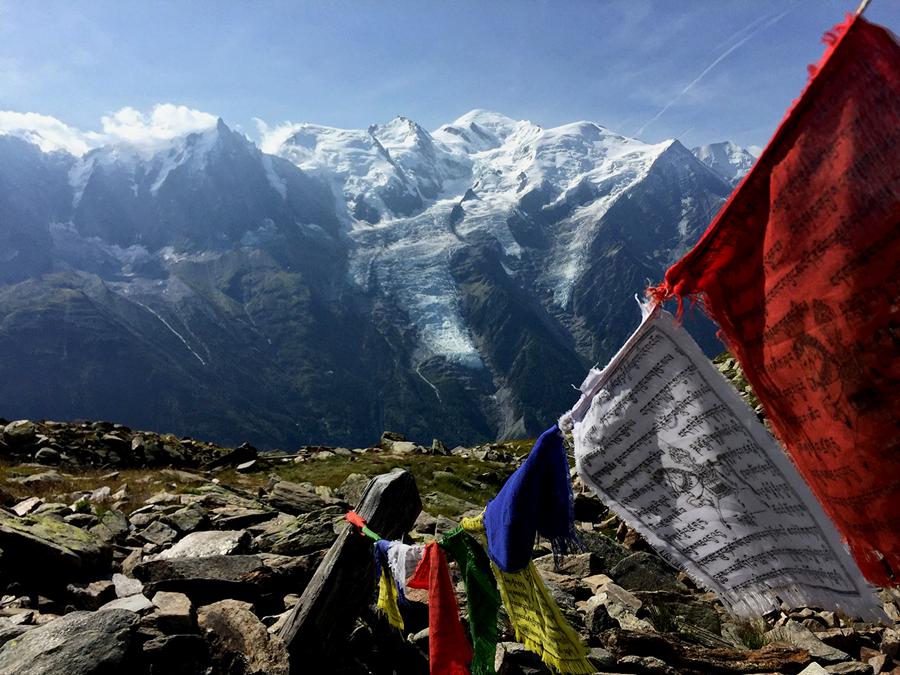 Vue sur le Mont Blanc lors du tour des Aiguilles Rouges