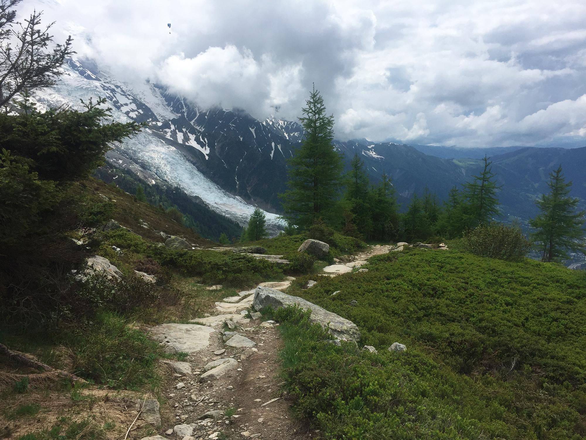 Un parapente au dessus du glacier des Bossons, Virée Verticale