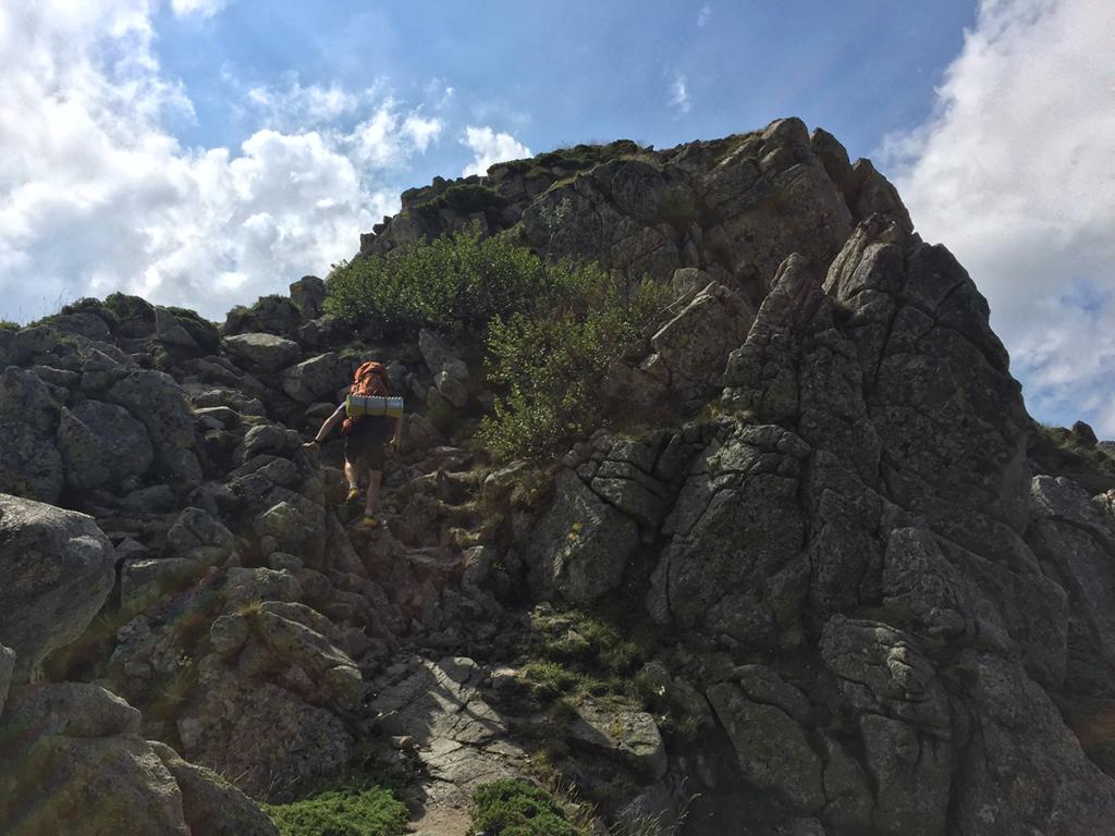 Un aperçu des passages escarpés du GR, entre grimpe et rando, Virée Verticale